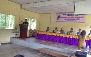 Rapat Anggota Tahunan (RAT) Koperasi Tut Wuri Handayani di Aula Kantor Desa Sungai Lunuk, Kecamatan Tanah Siang, Selasa (28/2/2017).