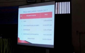 Presentasi rencana pembangunan bidang pendidikan dalam Musrenbang tingkat Kecamatan Arut Selatan, Selasa (27/2/2017)