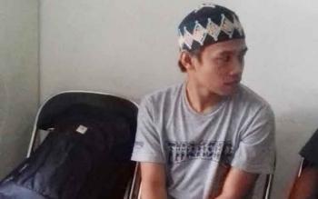 Rizal Mahbub alias Risel tersangka kasus asusila saat dilimpahkan ke Kejaksaan Negeri Kotim, Rabu (1/3/2017)