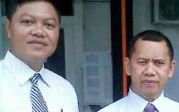 Ketua KPU Murung Raya, Izharudin (kanan), didampingi Sekretaris KPU Mura, Fernando.