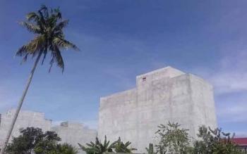 Salah satu gedung sarang burung walet yang berdiri di Kelurahan Raja, Kecamatan Arut Selatan, Pangkalan Bun.