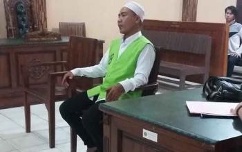 Khairullah alias Usu, pelaku penganiayaan terhadap Wanson, Rabu (1/3/2017), mendengar majelis hakim membacakan amar putusan PN Palangka Raya, yang menetapkan pidana penjara 2 tahun dan 6 bulan atas perbuatannya.