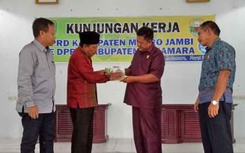 Tiga Anggota DPRD Muaro Jambi Kunjungi Sukamara