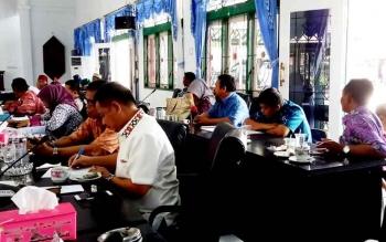 Kalangan DPRD Sukamara menerima kunjungan kerja anggota DPRD Muaro Jambi, Provinsi Jambi.