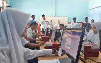 Tahun ini empat sekolah di Kabupaten Kotawaringin Barat akan menggelar UNBK mandiri.
