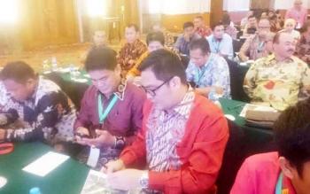 Wabup Rony Karlos dan Kepala DPMD Ikuti Rakornas Percepatan Program Pembangunan Desa