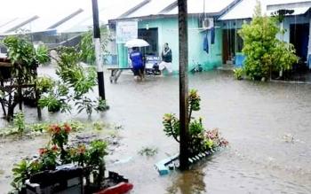 Banjir melanda Kota Palangka Raya hari-hari ini. Luapan air bahkan sampai masuk ke dalam rumag warga. Instansi meminta peran aktif masyarakat untuk ikut membenahi kondisi tersebut.