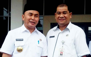 Kadinsos Kalteng Guntur Talajan bersama Gubernur Sugianto Sabran seusai Sidak ke kantor Dinsos belum lam ini