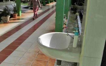 Tempat cuci tangan di lingkungan RSUD Sultan Imanuddin Pangkalan Bun.