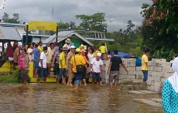 Banjir saat ini bukan hanya merendam perumahan warga di enam desa di Kecamatan Arut utara, tetapi juga merendam pemukiman di Desa Lalang, Rungun dan Kondang, Kecamatan Kotawaringin Lama.