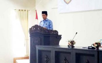 Bupati Barito Utara Nadalsyah saat memberikan sambutan pada kegiatan forum SKPD