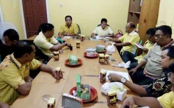 Suasana rapat perencanaan pelantikan pengurus DPD Partai Golkar Kabupaten Lamandau periode 2016-2019, Selasa (7/3/2017) malam.