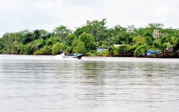 Perahu motor nelayan di DAS Kahayan Pulang Pisau.