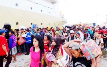 Ribuan penumpang kapal yang berangkat dari Pelabuhan Sampit menuju pulau jawa beberapa waktu lalu kebanyakan adalah karyawan perusahaan yang bekerja di Kotim.