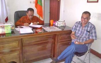 Kadis Disporaparbud Barsel, Raden Sudarto didampingi Kabid Pariwisata Siren.