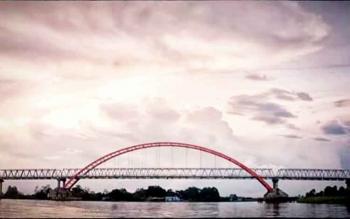 Jembatan Kahayan, dapat menjadi salah satu calon ikon wisata Kota Palangka Raya.