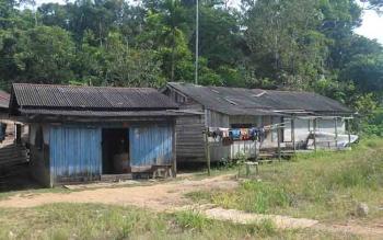 Hunian sejumlah warga Desa Sungai Bakanon, Kecamatan Permata Intan, Kabupaten Murung Raya.