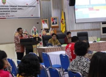 dua peneliti independen Badan Perencanaan Pembangunan Nasional (Bappenas) RI yang hadir memverifikasi inovasi Bappedalitbang Kalteng untuk penyusunan RKPD 2017.