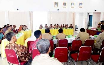 Rapat tata batas seluruh Kades, camat dan BPD se Kabupaten Sukamara.