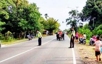 Waspada! Sejumlah Lubang Berbahaya di Jalan Lintas Kalimantan