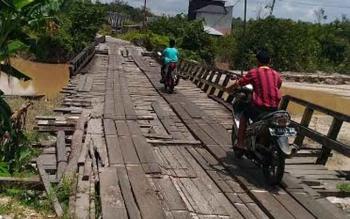 Kondisi Jembatan Sei Miwan diruas Kuala Kurun-Sepang Simin