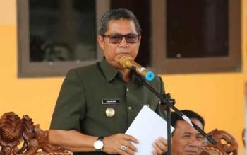 Bupati Seruyan Sudarsono saat berbicara soal karet yang tak dipanen petani di Kecamatan Seruyan Hulu dan Suling Tambun.\\\\r\\\\n\\\\r\\\\n