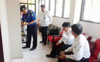 Sejumlah pejabat di Kotim menunggu giliran tes wawancara lelang jabatan, Rabu (15/3/2017)