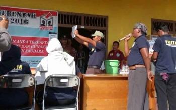 Suasana Penghitungan suara saat Pilkades desa Purwareja, Oktober 2016 lalu