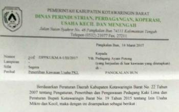 Surat dari Dinas Koperasi Kobar untuk para pedagang kaki lima (PKL).