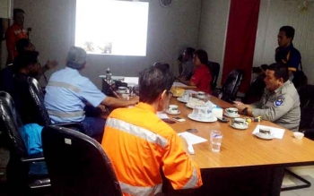 Pihak manajemen PT IMK memberikan klarifikasi mengenai penanganan dan dugaan pencemaran sungai di Desa Olung Muro, di Dirung Camp, Kecamatan Tanah Siang Selatan, Kabupaten Murung Raya, Rabu (15/3/2017).