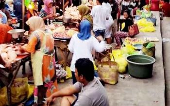 Suasana Pasar Subuh di Kota Palangka Raya.