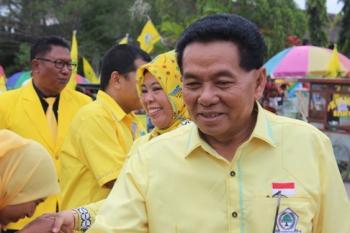 Ketua DPD Partai Golkar Provinsi Kalteng HM Ruslan AS beserta istri dan rombongan tiba di Dermaga Batu Bisa, Nanga Bulik, Kabupaten Lamandau, Sabtu (18/3/2017).