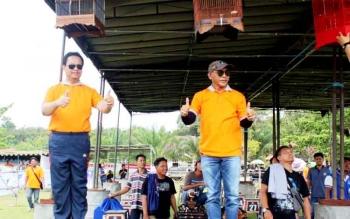 Tampak Wabup dan Ketua DPRD Lamandau hadir dalam pembukaan lomba kicau burung bertajuk Kapolres Lamandau Cup II 2017.