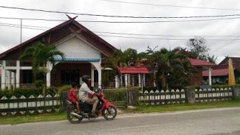 Hotel Gunung Mas di Jalan Sangkurun, Kuala Kurun yang sudah beberapa bulan terakhir tidak difungsikan.\\r\\n