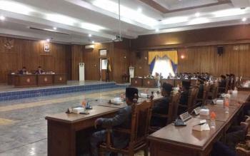 Suasanan sidang paripurna istimewa kedua di ruang sidang DPRD Kobar, Senin (20/3/2018).