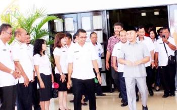 Gubernur Sugianto Larang Seluruh Pejabat Pergi ke Luar Negeri