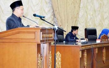 Anggota DPRD Barito Utara Taufik Nugraha saat menyampaikan pokok-pokok pikiran dewanpada sidang paripurna
