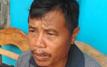 Kepala Desa Petak Bahandang, Gad Ihing.