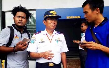 Kepala Dinas Perhubungan Fadlian Noor (tengah)