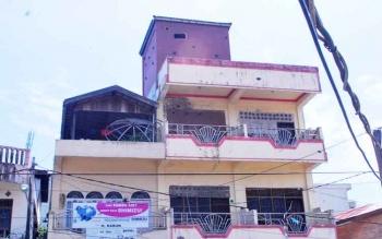 Gedung tempat penangkaran sarang burung walet di kota Muara Teweh, Kabupaten Barito Utara.