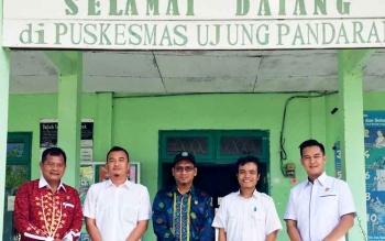 Anggota Komisi III DPRD Kotim, Saat melakukan sidak di salah satu kecamatan.