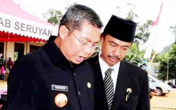 Bupati Seruyan Sudarsono saat bersama Wakil Bupati Seruyan Yulhaidir dalam suatu kegiatan.