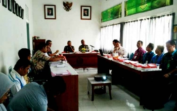 Pejabat Dinas PUPR dengan Kejaksaan Negeri Muara Teweh dan TP4D menggelar pertemuan, Kamis (23/3/2017)