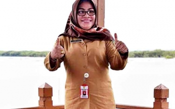 Kepala Dinas Kebudayaan dan Pariwisata Kota Palangka Raya Norma Hikmah saat mengunjungi kawasan Pelabuhan Kereng Bangkirai, beberapa waktu lalu.