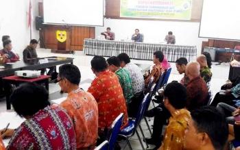 Wakil Bupati Gunung Mas Rony Karlos membuka Rakor Pembangunan dan Pemberdayaan Masyarakat Desa, Jumat (24/3/2017)