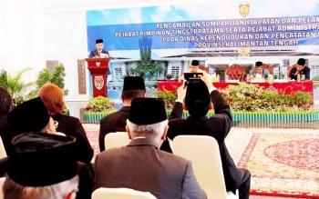 Gubernur Kalteng Sugianto Sabran saat memberikan sambutan seusai melantik 13 pejabat eselon II
