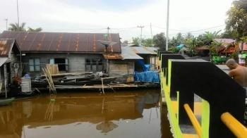 Pembangunan permukiman jembatan dan jalan program NUSP-2 di Kelurahan Selat Tengah, Kabupaten Kapuas. Sementara Desa Keladan Jaya juga memprioritaskan pembangunan jembatan.