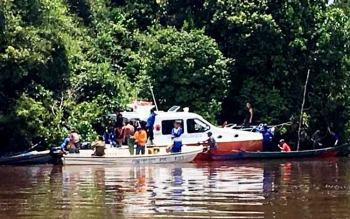Upaya pencarian korban tenggelam, Anin, warga Kelurahan Raja Seberang RT 4 Kecamatan Arut Selatan, Kotawaringin Barat.