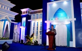 Bupati Barito Utara H ANdalsyah saat memberikan sambutan pada penutupan STQ ke-48 tingkat kabupaten setempat.