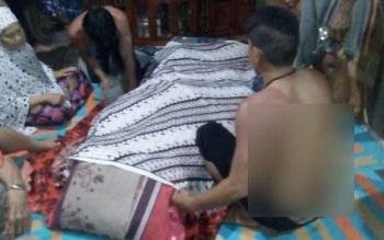 Jasad korban berada di kediamannya di RT4 Kelurajan Raja Seberang